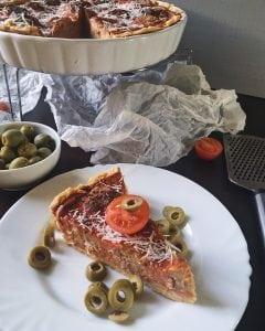 Tarta z pulpetami i serem