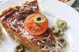 Tomato tart with mini meatballs