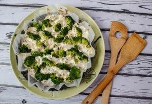 Zapiekanka brokułowa z serem i śmietaną