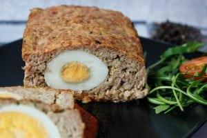 klops mięsny z jajkiem