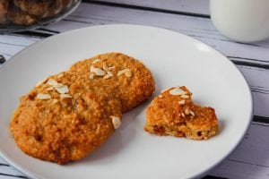 Peanut cookies on the basis of kefir