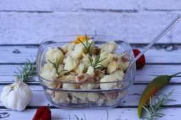 Potatoes fried with rosemary