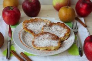Racuchy z jabłkiem i cynamonem