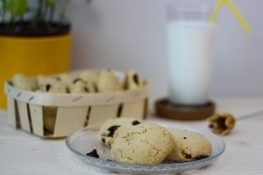 Cookies with macadamia