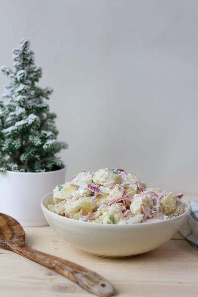 Potato salad with onion and sour cream