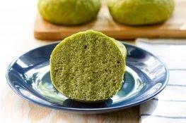 Soft spinach rolls