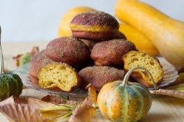 Donuts from pumpkin dough