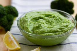Broccoli and cream purée