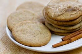 Crunchy and soft cinnamon cookies