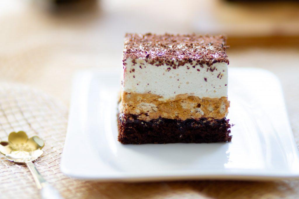 Cocoa sponge with kaymak