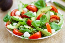 Salad with avocado and tomato