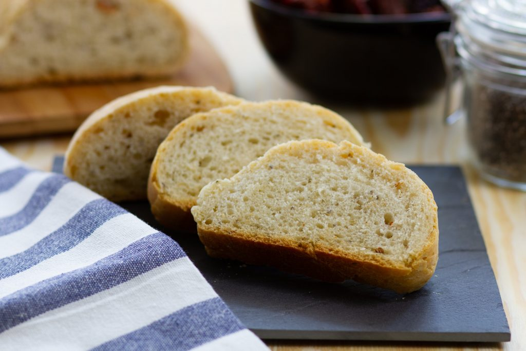 Bread with chia and sun-dried tomatoes