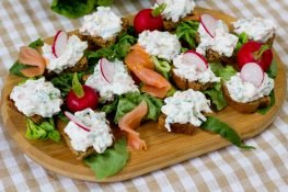 Salmon sandwich spread