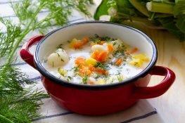 Cauliflower soup with cream