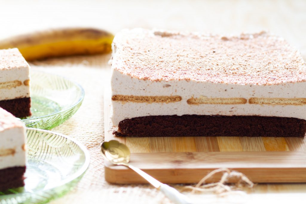 Creamy banana cake
