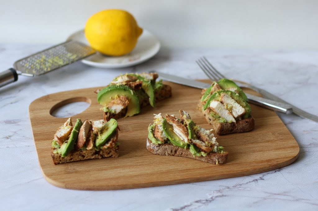 Toasts with chicken and avocado
