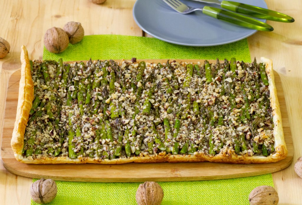 Asparagus tart on puff pastry