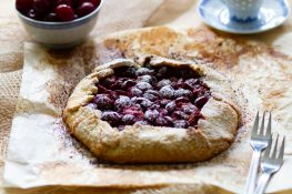 Rustic tart filled with cherries