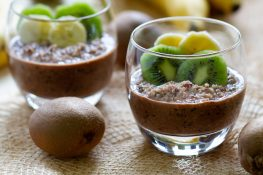 Overnight chocolate quinoa