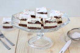 Cake with pineapple cream