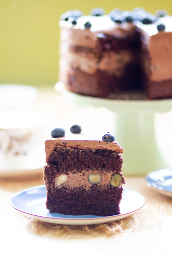 Cocoa cake with chocolate cream