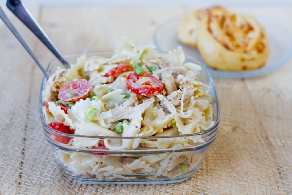 Salad with pasta and chicken
