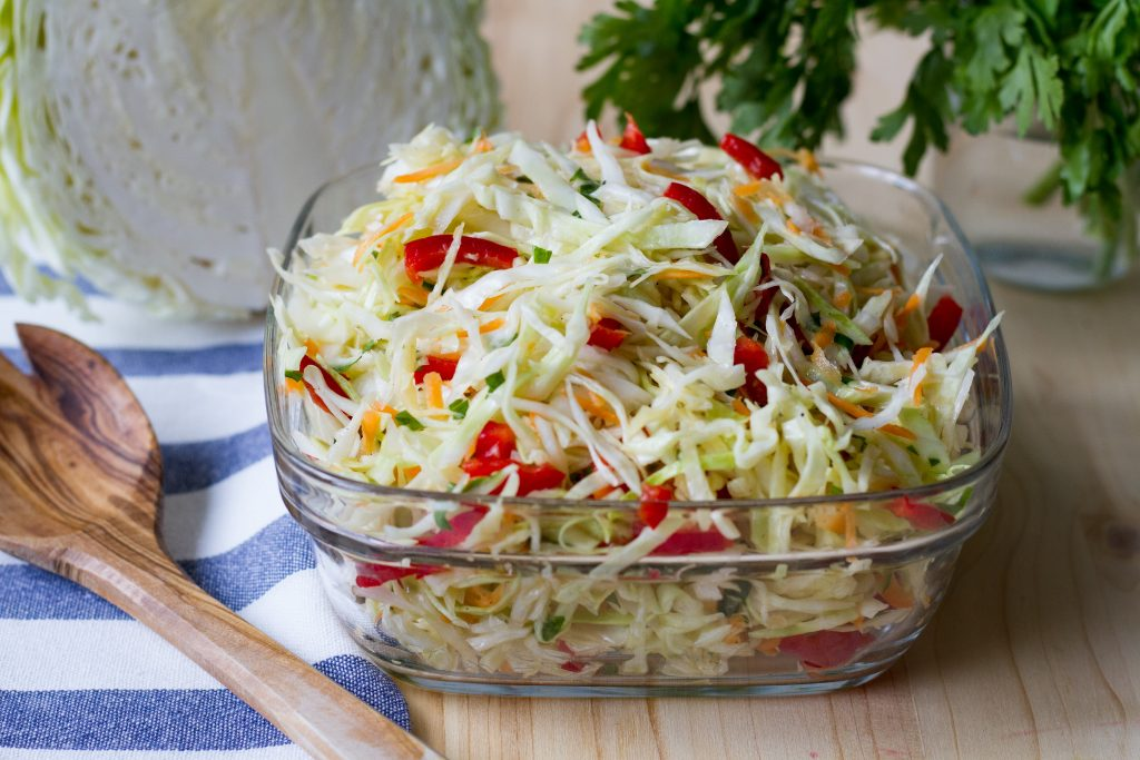 Cabbage salad with garlic sauce