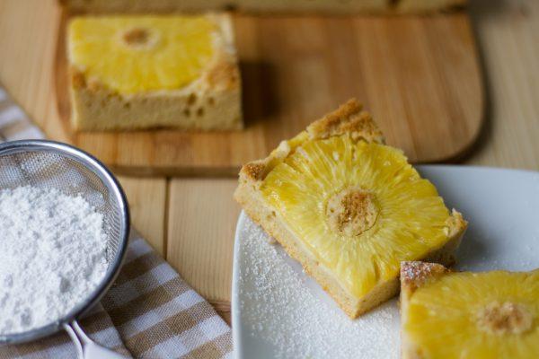 Simple pineapple cake