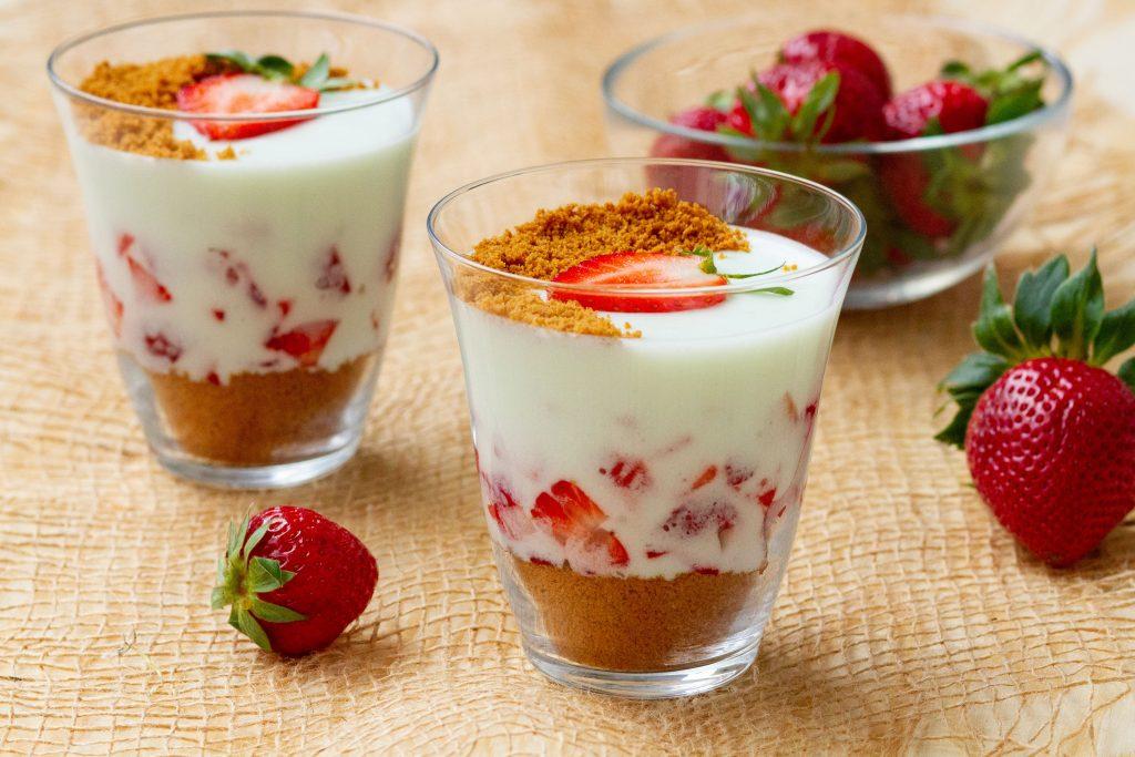 Strawberry foam dessert