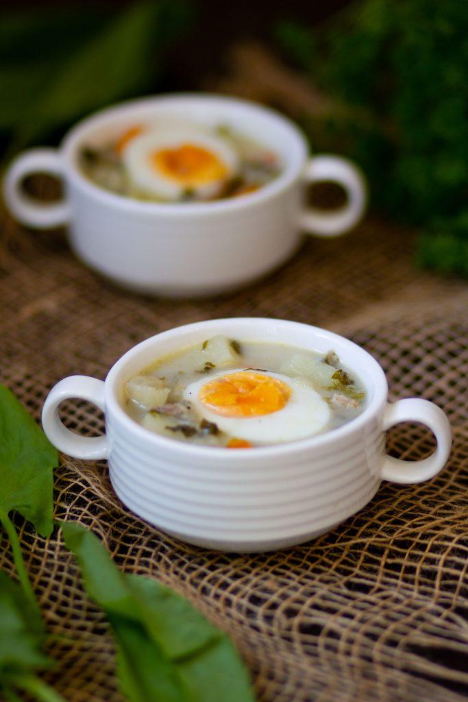 Sorrel soup with veg