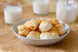 Cookies with coconut