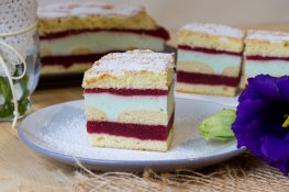 Cake with plum mousse