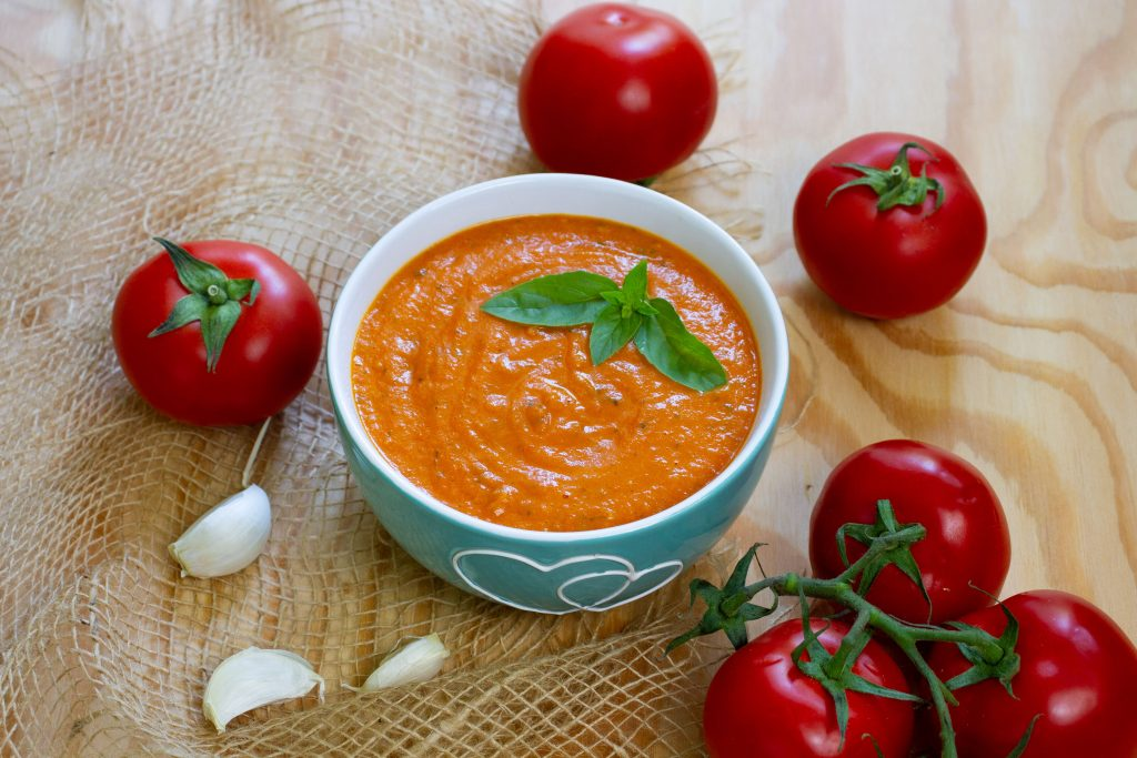 Sauce made with fresh tomatoes