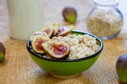 Oatmeal cooked on milk, served with figs